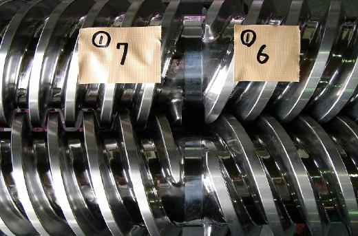 2軸セグメントスクリュー(ステライト肉盛後仕上加工)